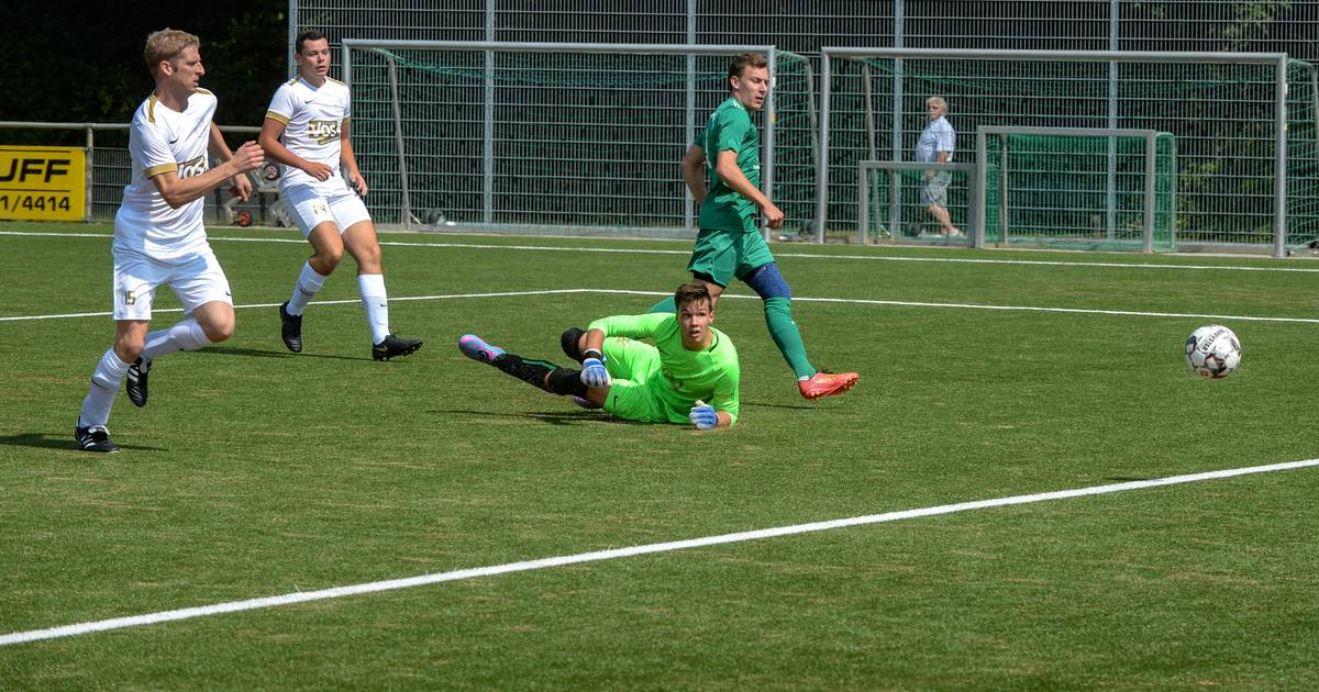 Fußball: Sportfreunde verspielen frühe 3:0-Führung