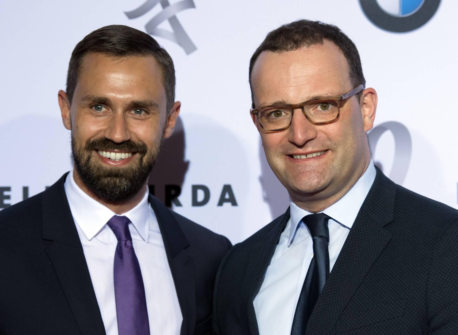 Corona: Auch Ehemann von Jens Spahn Daniel Funke infiziert