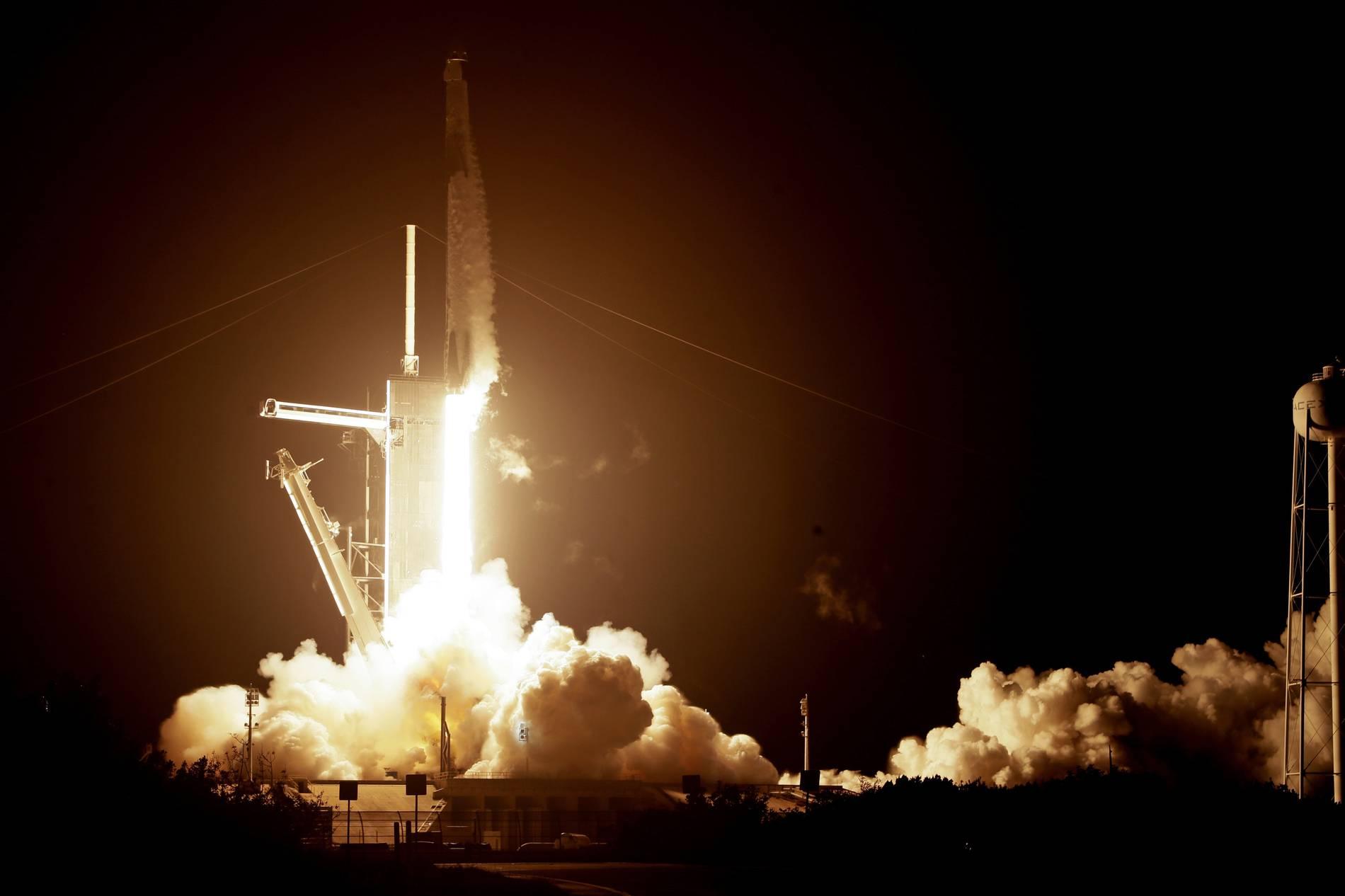 SpaceX zur ISS gestartet