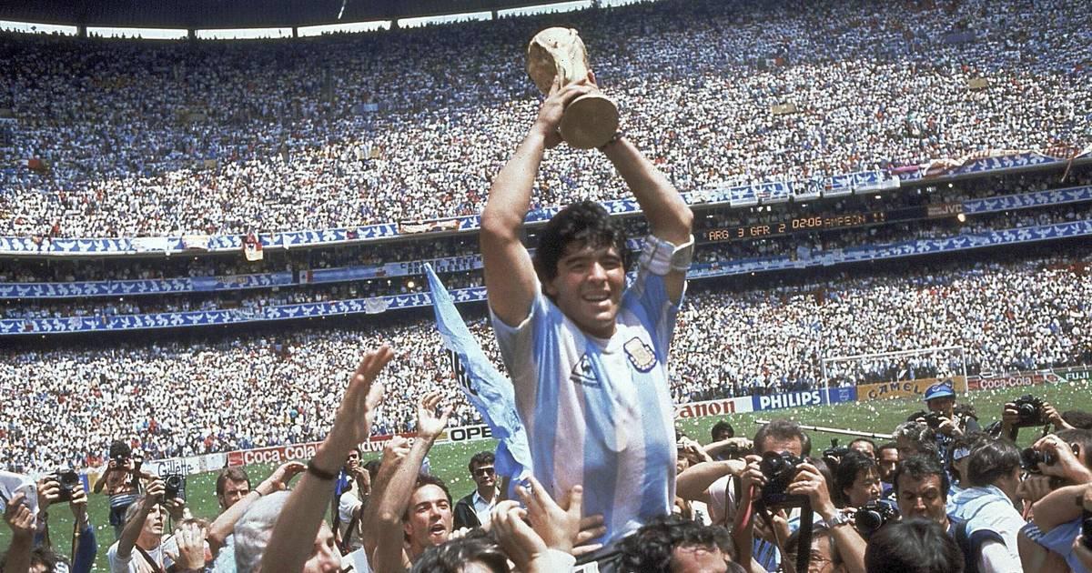 Argentiniens Fußball-Star und `Hand Gottes` stirbt mit...