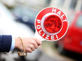 Fall aus Grevenbroich: Corona-Infizierte fährt ohne Maske in Polizei-Kontrolle
