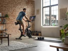 Von Hola Hoop bis Rudergerät: Fitness-Geschenke, die Freude machen