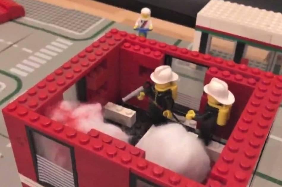 Feuerwehr Wegberg mit besonderer Übung für den Nachwuchs: Jugendfeuerwehr simuliert Großbrand mit Lego-Steinen