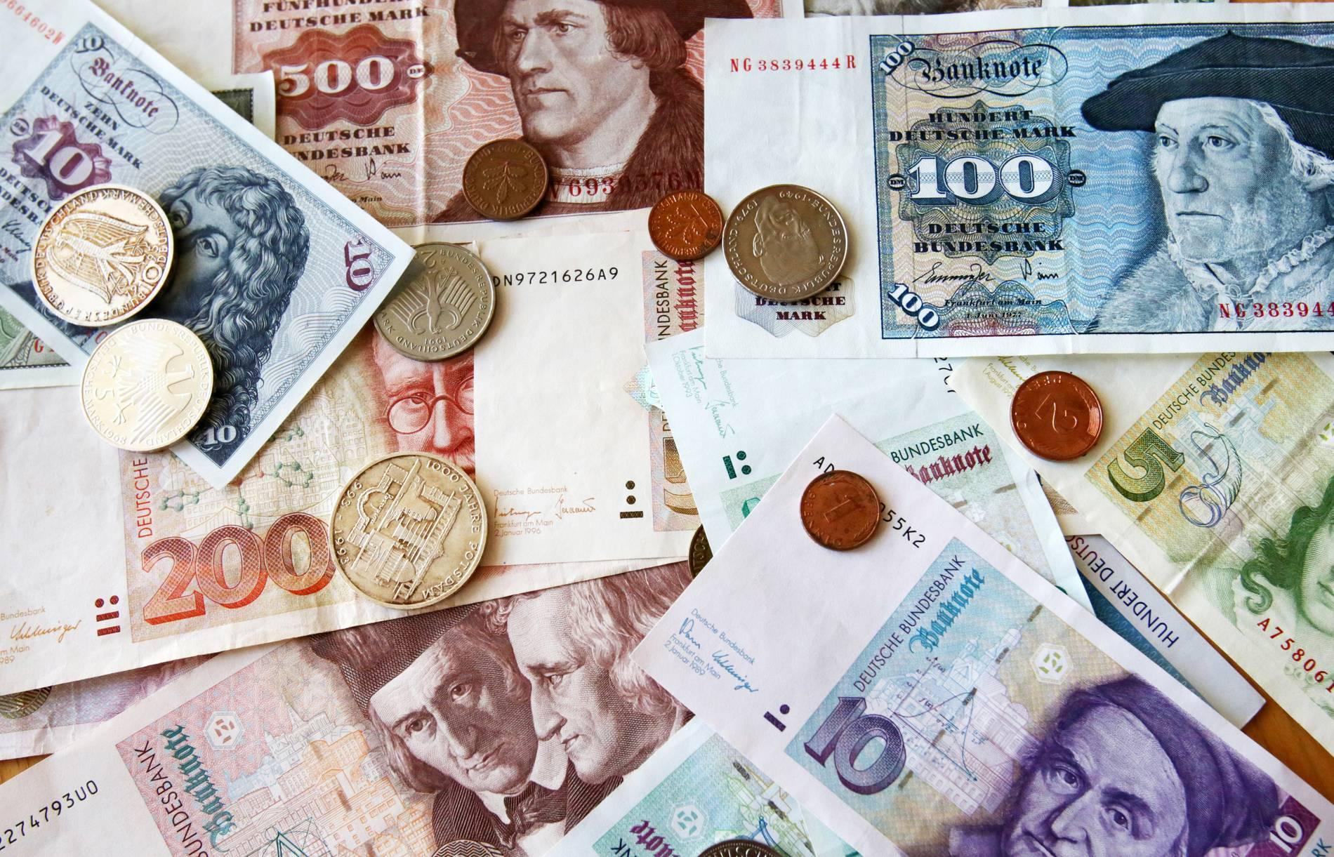In Nordrhein-Westfalen weniger D-Mark in Euro umgetauscht
