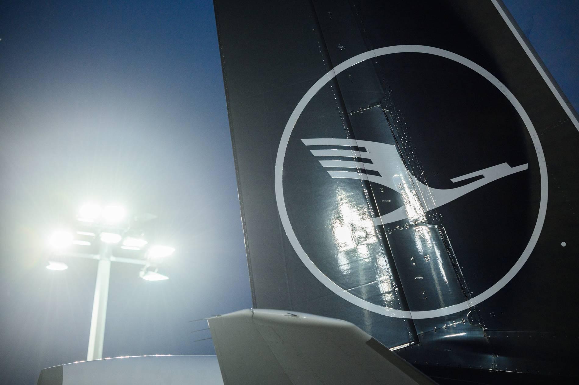 Angeschlagene Airline: Lufthansa einigt sich mit Piloten auf Sanierungsplan