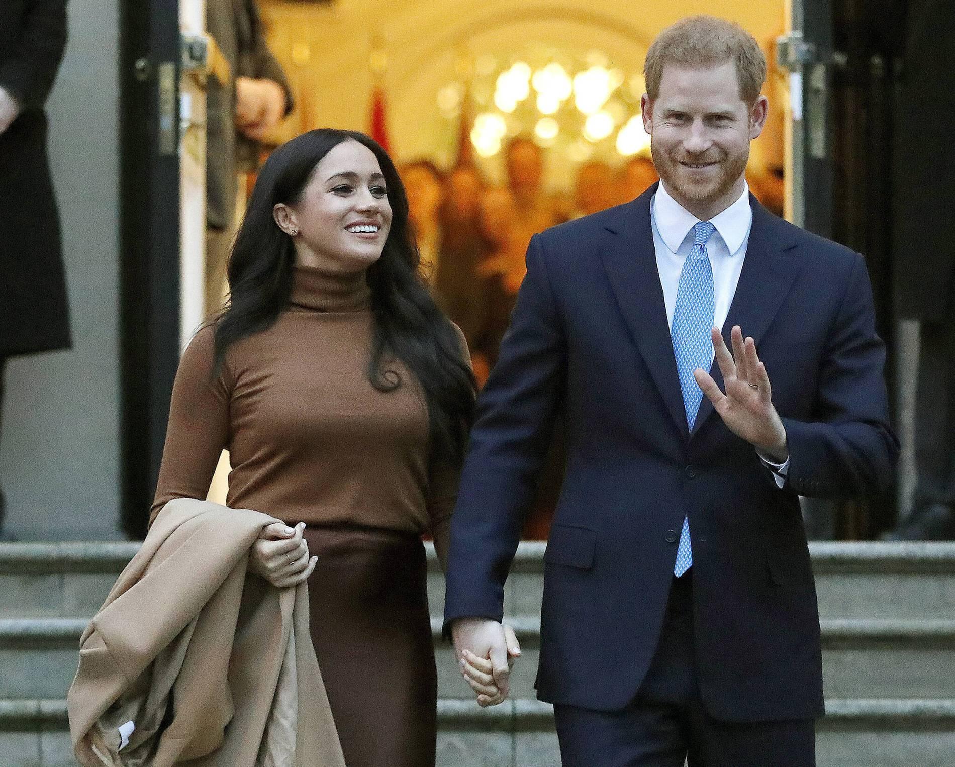 Palastkreise: Queen hofft auf Geburtstagsparade im Juni | Boulevard