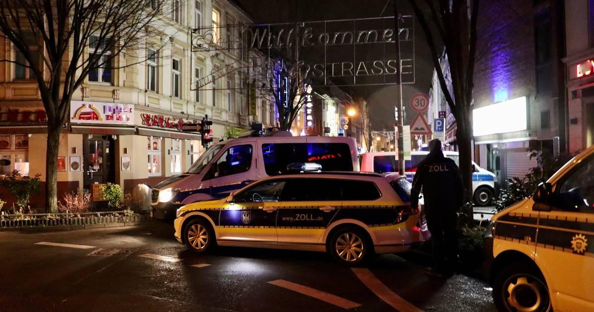 Zoll und Staatsanwaltschaft lassen Häuser in Leverkusen durchsuchen